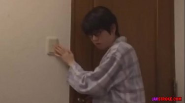 Amazing japanese schoolgirl degustation her sperm in the ass