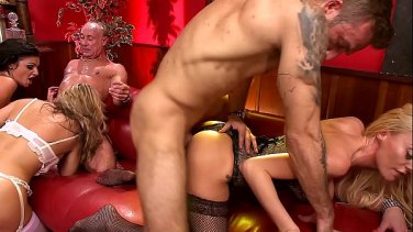Eyeglasses housewife Layla London seduces her husband guest